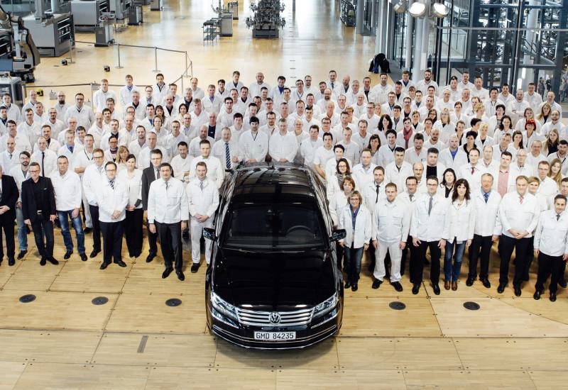 Gläserne Manufaktur wird neu ausgerichtet: Schaufenster für Elektromobilität und Digitalisierung entsteht