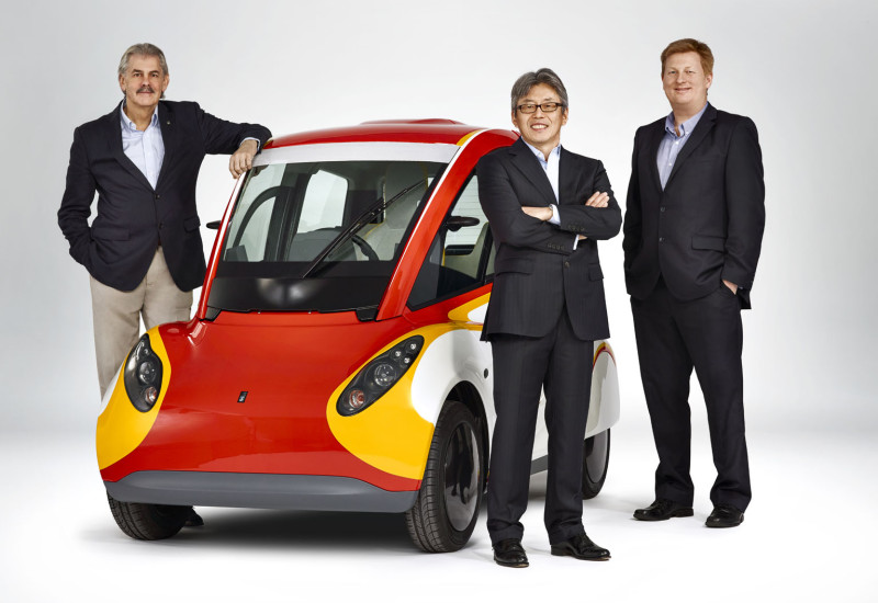 Gordon Murray, Shell Concept Car, Hidehito Ikebe and Bob Mainwaring. Credit: Shell/Justin Leighton