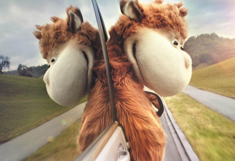 Neue 360-Grad-Kampagne für die V-Klasse mit Kuschelmonster Vuddi